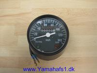 Speedometer i sort plastik.